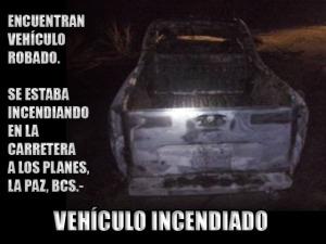 Encuentran vehículo robado: se estaba incendiando