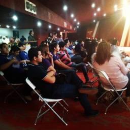 Público presente durante la presentación del libro