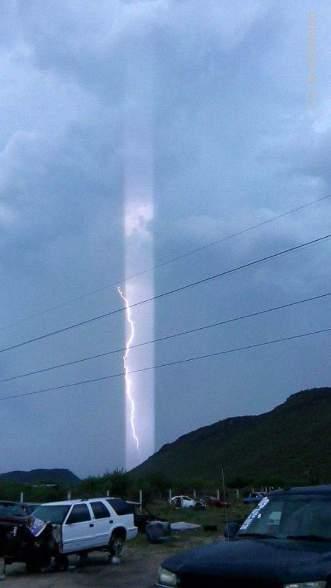 Foto: Luz tomada desde un Yonke de La Paz