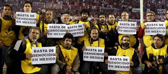 Los fotoperiodistas se acordaron del periodista asesinado en México, Rubén Espinoza.