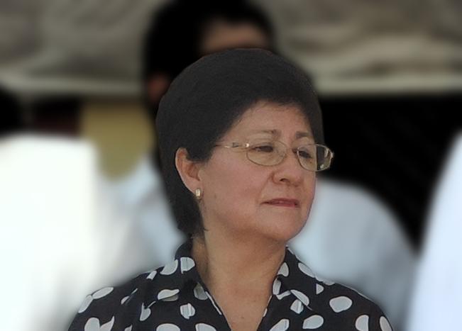"""Alcaldesa Cecilia López González: """"ésto está para llorar"""", parece decir al poner esa cara."""