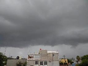 Nubes cubriendo la ciudad de La Paz / Foto Julio Ruiz (Cazatormentas), Alerta de Huracanes