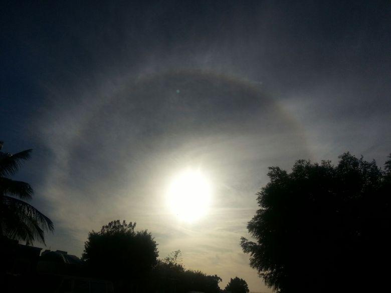 Halo solar: foto de Jesús#LaFuente#LPZ (del grupo de Alerta de Huracanes)