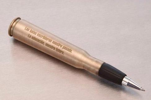 Bolígrafo que le regaló el presidente de Colombia al líder de las FARC