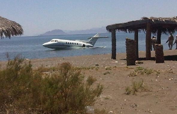 avion-loreto-aterrizaje-forzoso